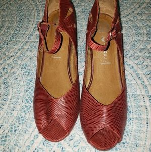 Beautiful red textured leather wedges. Size 10